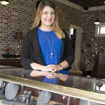 Christina Hatch - Meet the jewelry experts at Parris Jewelers in Hattiesburg, MS